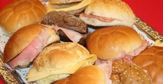 Koude lunch belegde broodjes Driever